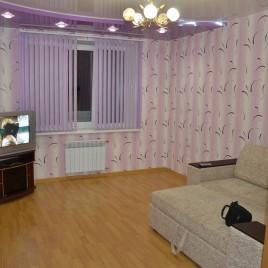 Сдаю 3-х комнатную квартиру посуточно ул. Ворошилова 27 (Центр). Командированным отчетные документы.