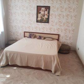 Сдаю 3 комнатную квартиру посуточно по ул. Урицкого 14 (Центр). Отчетные документы